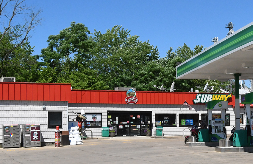 Mickey Mart #25, Loudonville, OH